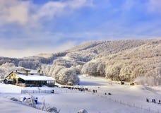 Skiort bei Alpes. Stockfoto