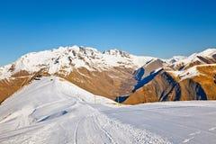 Skiort in den französischen Alpen stockfoto