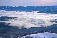 Skiort Dragobrat im Winter Stockfotos