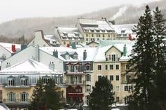 Skiort im Berg Stockfotografie