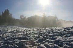 Skiort im Nebel Lizenzfreies Stockbild