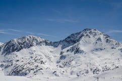 Skiort Pas de la Casa in Andorra an Grandvalira-Sektor Pyrenäen stockfotos