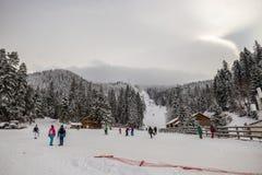 Skiort in Poiana Brasov, Siebenbürgen, Rumänien - Dezember 2018 lizenzfreie stockbilder