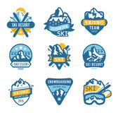 Skiortlogo versinnbildlicht, beschriftet Ausweisvektor Lizenzfreie Stockfotos