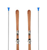 Skis alpins en bois d'isolement Images stock
