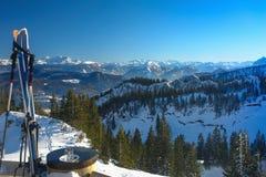 Skis en Bergpanorama V Stock Afbeelding