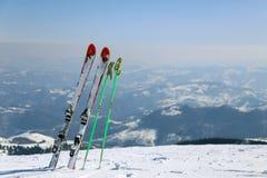 Skis in Kopaonik-berg, Servië Stock Afbeeldingen