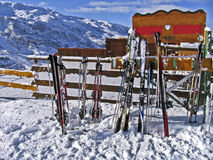 Skis left on a wooden fence, Stock Photos