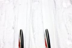 Skis sur la voie Image libre de droits