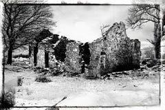 Skissa av ett förstört hus arkivbilder