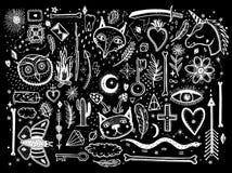 Skissa den grafiska illustrationen med mystiker och den ockulta handen drog stora uppsättningen för symboler Vektorferieillustrat stock illustrationer