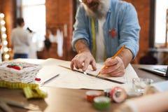 Skissa med blyertspennan fotografering för bildbyråer