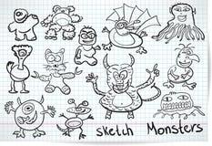 Skissa uppsättningen av roliga monster för tecknad film Royaltyfri Fotografi
