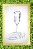 skissar den glass handen för draw wine arkivfoto