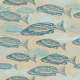 Skissar den sömlösa modellen för vektorn med av fisk på Royaltyfria Bilder