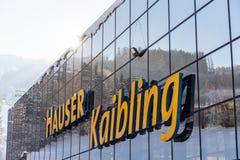 Skistation Hauser Kaibling - eins von Österreichs Spitzenskiorten: 44 Skilifte, 123 Kilometer Skipisten, Parkplatz, Schladminger stockbild