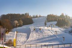 Skistation Hauser Kaibling - eins von ?sterreichs Spitzenskiorten: 44 Skilifte, 123 Kilometer Skipisten, Parkplatz, Schladminger lizenzfreie stockfotos