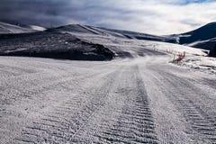 Skisteigung morgens Lizenzfreie Stockfotografie