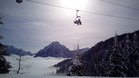 Skisteigung und -restaurant bei Tarvisio, Italien Lizenzfreies Stockfoto