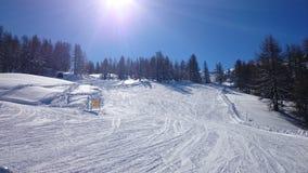 Skisteigungen in Sauze-d& x27; oulx Lizenzfreie Stockfotos