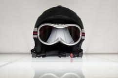 Skisturzhelm mit Gläsern Lizenzfreies Stockfoto