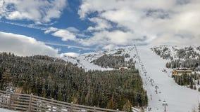 Skitoevlucht stock video