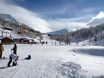 Skitoevlucht Isola 2000, Frankrijk Stock Fotografie