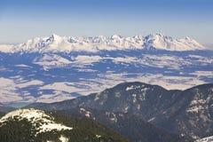 Skitoevlucht in Slowakije Hoge berg Tatras Piekchopok op zonnige dag Stock Afbeelding