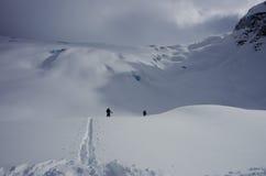 Skitouring στο εθνικό πάρκο παγετώνων Στοκ Εικόνα