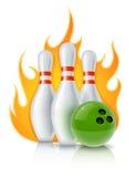 Skittles e sfera per il gioco di bowling Fotografia Stock