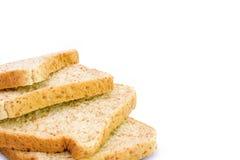 Skiva av ett isolerat bröd för helt vete arkivbild