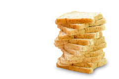 Skiva av ett isolerat bröd för helt vete royaltyfri fotografi
