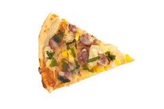 Skiva av italiensk pizza på vit bakgrund Top beskådar Arkivbilder