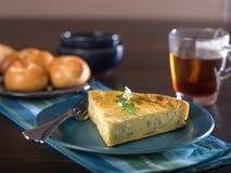 Skiva av ost- och lökpajen Royaltyfri Fotografi