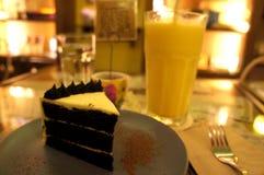 Skiva av tårtan Arkivfoto