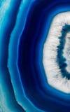 Skivabakgrund av den blåa agatkristallen Royaltyfria Bilder