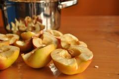 Skivad äpplekompott Arkivbild