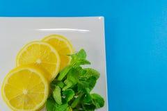 skivad citronmint Arkivfoto