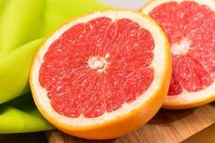skivad grapefrukt Royaltyfria Bilder
