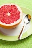 skivad grapefruktred Arkivfoto