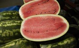 Skivad melon på försäljning i en grekisk marknad Royaltyfria Foton