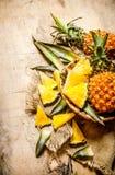 skivad ny ananas Arkivfoton