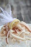 Skivad rå fryst fisk med is Royaltyfria Bilder
