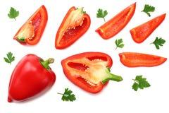 skivad röd söt spansk peppar som isoleras på vit bakgrund Top beskådar arkivbild