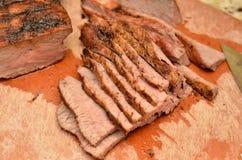 Skivad Tri spets för nötkött arkivbild
