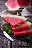 Skivad vattenmelon och mintkaramell Royaltyfria Foton