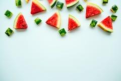 Skivad vattenmelon på vit bakgrund Arkivbilder