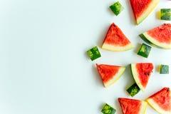 Skivad vattenmelon på vit bakgrund Arkivfoto