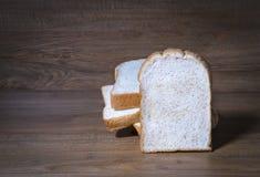 skivad white för bakgrund bröd Arkivbilder