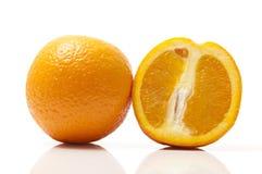 Skivade apelsiner Fotografering för Bildbyråer